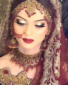 Pakistani Makeup Looks, Pakistani Bridal Makeup Red, Pakistani Bridal Hairstyles, Asian Bridal Makeup, Best Bridal Makeup, Wedding Day Makeup, Bridal Makeup Looks, Bride Makeup, Bridal Looks