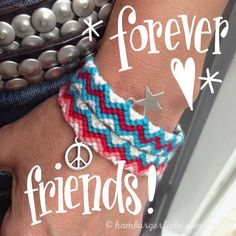 Tutorial Tuesday: Make Chevron Friendship Ribbon – Attention! - Diy And Crafts idea Friendship Bracelets Tutorial, Diy Bracelets Easy, Friendship Bracelet Patterns, Bracelet Tutorial, Wire Crochet, Diy Presents, Chevron, How To Start Knitting, Sewing For Kids