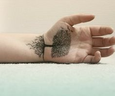 Nowadays, the tattoo designs for men are becoming quite popular. Generally, the small tattoo designs for men are extremely likeable among the men of all age Palm Tattoos, Body Art Tattoos, Tribal Tattoos, Tatoos, Thumb Tattoos, Sharpie Tattoos, Tattoos Skull, Tree Tattoo Designs, Small Tattoo Designs
