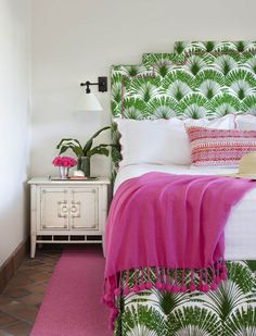 6 Ways to Decorate with Tropical Leaf Prints via @PureWow