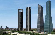 De izquierda a derecha: Torre Repsol, Torre Sacyr-Vallehermoso, Torre de Cristal y Torre Espacio. Imagen cortesía de Urbanity. Madrid. España