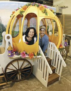 Best birthday present ever. It's a pumpkin carriage bed made for a birthday. Good Birthday Presents, 3rd Birthday Parties, Birthday Ideas, Cinderella Bed, Claire Morgan, Kids R Us, Carriage Bed, Pumpkin Carriage, Diy Bed