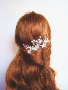 Hey, I found this really awesome Etsy listing at https://www.etsy.com/listing/194418180/bridal-hair-comb-pearl-hair-comb-bridal