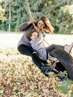 Baby Photography Outfits Families 63 New Ideas Swing Photography, Children Photography Poses, Clothing Photography, Family Photography, Photography Outfits, Family Portraits, Family Photos, Baby Art, Mothers Love