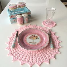 Servis takımı Crochet Placemats, Crochet Doilies, Shabby Chic Homes, Love Crochet, Tablescapes, Art Decor, Coasters, Mandala, Projects To Try