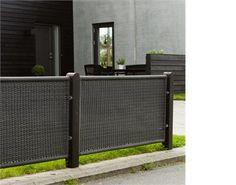 89b1d7c2efaf9 Få noget ro og orden i din have med et vedligeholdelsesfrit hegn fra PLUS.