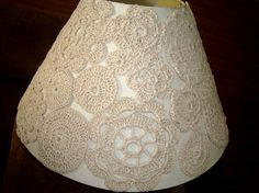 Crochet Home, Free Crochet, Doilies Crafts, Tin Can Crafts, Creation Deco, Paper Lanterns, Lamp Shades, Crochet Patterns, Creations