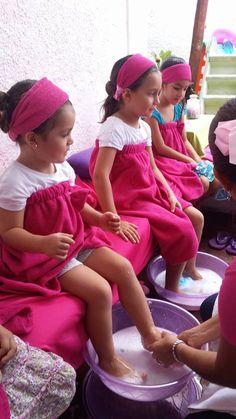 mini pedicure..cancun spa niñas