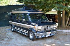 Bus Camper, Campers, Diesel Trucks, Ford Trucks, Dodge Durango Interior, Chevy Conversion Van, Volkswagon Van, Vehicle Signage, Old American Cars