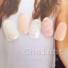 #chalant#シャラン#吉祥寺#ネイルサロン#nail#nails#art#gel#ネイル#ジェル#吉祥寺ネイルサロン#タイダイ柄#ドロップネイル#水面アート#ホログラム#乳白色#ベージュ#ストーン#ビジュー#パール#ゴールド