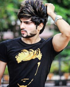 Likes, 257 Comments - ▵▼ Jubin Shah Popular Mens Hairstyles, Elegant Hairstyles, Boy Hairstyles, Vintage Hairstyles, New Beard Style, Hair And Beard Styles, Medium Fine Hair, Jubin Shah, Photography Poses For Men