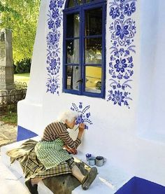 Painting The House. Arte Floral, Home Decor Colors, Colorful Decor, Funny Photos Of People, Homemade Home Decor, Traditional Bedroom Decor, Decorative Planters, Tuscan Decorating, French Artists