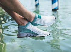 Comment acheter les Adidas EQT Support SK sans lacets 'Sub Green' ? Sneakers Vans, Adidas Shoes Nmd, Casual Sneakers, Converse, Adidas Eqt Adv, Women's Shoes, Cute Shoes, Shoe Boots, Adidas Fashion