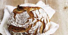 Es geht doch nichts über hausgemachtes Brot! Auch wenn du viel Mühe und Geduld mitbringen musst, sind die krossen Laiber Belohnung genug.