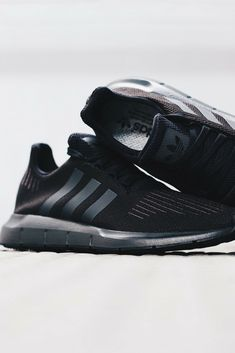 adidas Swift Run Primeknit Trainers