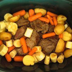 10 Crockpot Recipes {Perfect Pins}