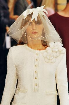 Fuck Yeah Fashion Couture | Chanel Haute Couture Fall/Winter 2001