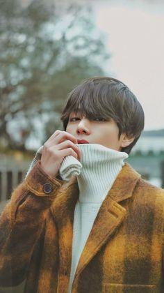 """BTS winter package 2020 V/ Kim Taehyung/ Tae lockscreens/ wallpapers. Bts Taehyung, Bts Bangtan Boy, Daegu, Foto Bts, K Pop, Fanmeeting Bts, Bts Kim, V Bts Cute, V Instagram"