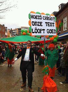 elk jaar de carnavalsoptocht mee lopen