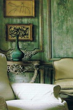 We love this look. We can make it as lime-wash over venetian plaster or by chemically distressing metallic paint