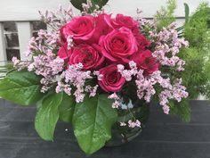 Pink roses in a sphere vase flower arrangement Flower Vases, Flower Arrangements, Flowers, Pink Roses, Floral Wreath, Wreaths, Chic, Fall, Plants