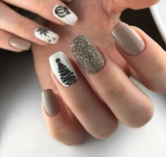 Image about nails in 𝔦𝔠𝔶 𝔫𝔞𝔦𝔩𝔰💅🏻 by 🌸🌸 on We Heart It Stylish Nails, Trendy Nails, Cute Nails, Christmas Gel Nails, Holiday Nails, Winter Nail Designs, Best Nail Designs, Xmas Nail Designs, Grey Nail Designs