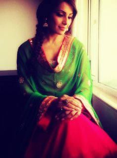 Pretty greens, pinks and touches of gold (Bipasha Basu)