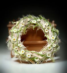 Mourning wreath ~ Pim van den Akker - from the book 'Ik rouw om jou' Funeral Flower Arrangements, Funeral Flowers, Floral Arrangements, Christmas Advent Wreath, Funeral Sprays, Lighted Wreaths, Sympathy Flowers, Silk Flowers, Flower Decorations