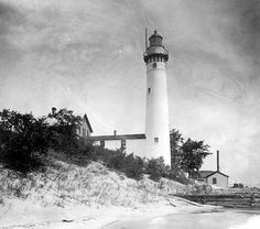 some day I'd like to make a trip around to see all the lighthouses.  I wonder how many I've already seen.