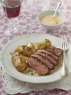 Magret de canard sauce foie gras, une recette de magret de canard à servir pour recevoir ou pour un repas de famille #recette #marmiton #canard #foiegras #magret