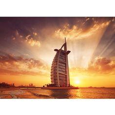 Jobs in Dubai, dubai and uae employment for all Professionals, Semi-professionals, skilled and Semi-skilled job seekers. Dubai Travel Guide, Living In Dubai, Burj Al Arab, Dubai City, Villa, Number One, Empire State Building, Travel Guides, Big Ben