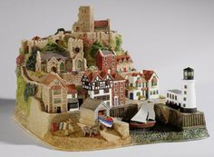 Lilliput Lane - Scarborough Harbour, Limited Edition of 850.