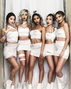 Top Group Halloween Costumes for College party Amazing DIY group Halloween costumes for college party with your girlfriends. Perfect couples halloween costume for halloween party. Best couples halloween costumes idea for the college party! Meme Costume, Diy Mummy Costume, Looks Halloween, Best Friend Halloween Costumes, Mummy Costume Women, Sexy Halloween Costume Ideas, Sexy Diy Costumes, Halloween Outfits For Women, Vintage Halloween