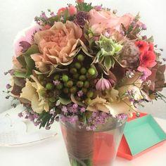 Schönster Brautstrauß zur Standesamtlichen Trauung! Pastell und Nude! www.lisa-liebt.de Floral Wreath, Lisa, Wreaths, Plants, Home Decor, Best Flowers, Registry Office Wedding, Pastel, Deko