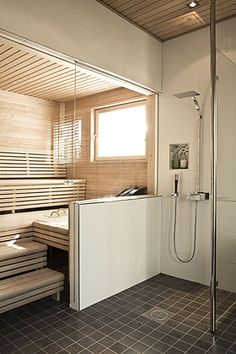 Glass wall between bathroom and sauna (this picture is very close to what I have been planning.) but would need another glass wall for shower Sauna Steam Room, Sauna Room, Saunas, Sauna Hammam, Sauna Shower, Portable Sauna, Sauna Design, Finnish Sauna, Home Spa