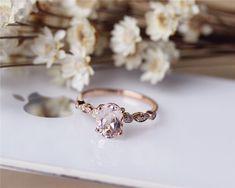 Pink 6x8mm Oval Morganite Ring Solid 14K Rose gold por JulianStudio