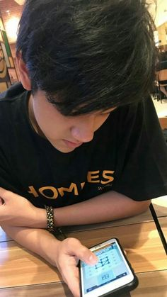 Date with ma boyfie 😆😋❤ Korean Boys Ulzzang, Ulzzang Couple, Ulzzang Girl, Boy Images, Boy Pictures, Cute White Boys, Cute Boys, Tumblr Photography, Photography Poses