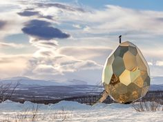 This solar-powered egg offers a sauna experience unlike any you've ever seen.