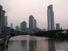 Under a red polluted sky - Shanghai