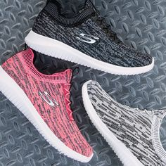 The majority of Skechers have memory foam technology within the inner sole to make you feel like you are walking on air. Skechers Elite, Sketchers Shoes, Belt Purse, Slipper Boots, Beautiful Shoes, Shoes Online, Designer Shoes, Nike Free, Shoe Boots
