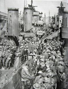Here we see British troops arriving at Dover after being rescued from Dunkirk. To the left is the destroyer HMS Anthony Dunkirk Ww2, Battle Of Dunkirk, Operation Dynamo, Bray Dunes, Dunkirk Evacuation, Man Of War, London History, War Photography, Battle Of Britain