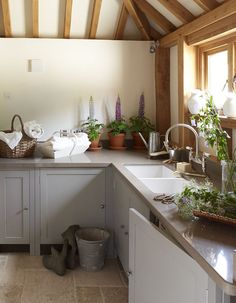 Chalon Utility Room Solutions by ChalonHandmade, via Flickr