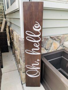 Porch Wood, Diy Porch, Home Porch, Porch Ideas, Welcome Signs Front Door, Front Porch Signs, Outdoor Welcome Sign, Front Porches, Diy Wood Signs