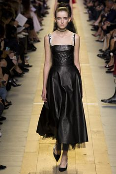 Celebrities who wear, use, or own Christian Dior Spring 2017 Leather Dress. Also discover the movies, TV shows, and events associated with Christian Dior Spring 2017 Leather Dress. Fashion Week Paris, Fashion 2017, Runway Fashion, Spring Fashion, High Fashion, Christian Dior, Dior Spring 2017, Dior Haute Couture, Beautiful Dresses