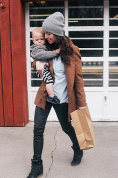 I'm just saying, can I look this chic in the future when I'm grocery shopping with kids? K thanks.