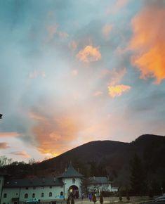 #Prislop Romania, Clouds, Celestial, Sunset, Outdoor, Outdoors, Sunsets, Outdoor Games, The Great Outdoors