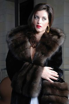 A totaly lovely sheared mink & sable fur coat. For me a must have of every Lady. I so hope I get one this year before winter. Hope you also enjoy it.