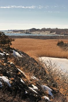 A winter hike at Hanging Rock - Norman Bird Sanctuary, Middletown, RI