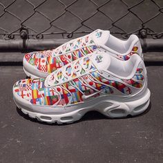size 40 56097 c3861 The Nike International Collection features the Air Max Air Zoom Spiridon  and Air Max Plus covered in different flags. The Pack launches in June