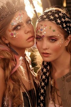 Face glitter and sparkles. Want a beautiful festival look for this summer? Here's our best makeup tips, tricks and products.
